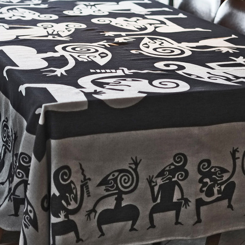 Tafelkleed_Wayang_zwart_tafel2_1000