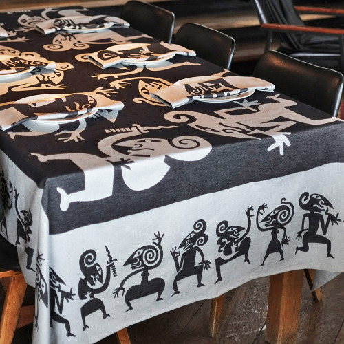 Tafelkleed_Wayang_zwart_tafel_1000