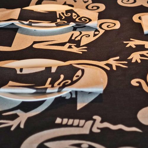 Tafelkleed_Wayang_zwart_tafel3_1000